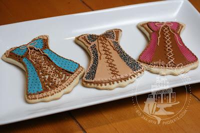 chic designer print bustier leopard pink polka dot blue polka dot bustier cookies photofrost