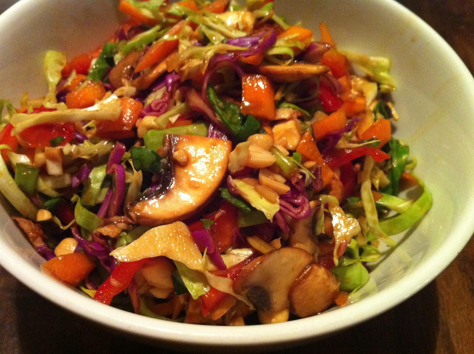 Kühlschrank Pad : Gebratenes gemüse mit hähnchen pad pak gai von surina chefkoch