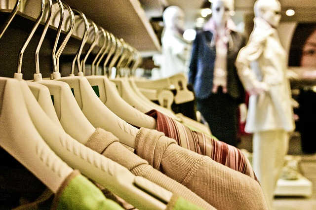 What is a fashion merchandising 1