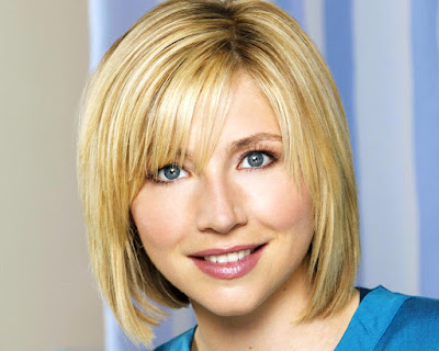 Sarah Chalke Cute Wallpaper