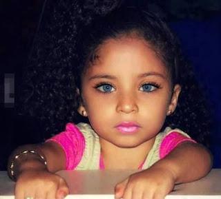 Foto Gambar Bayi Perempuan Bermata Cantik