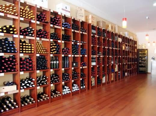 La trastienda de jos l louz n de ricos vinos baratos - Fotos de vinotecas ...