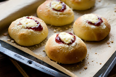 strawberry cream cheese kolaches