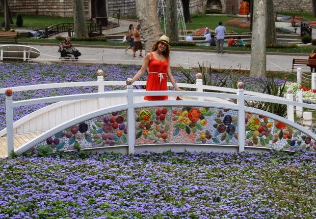 parque topkapi estambul flores