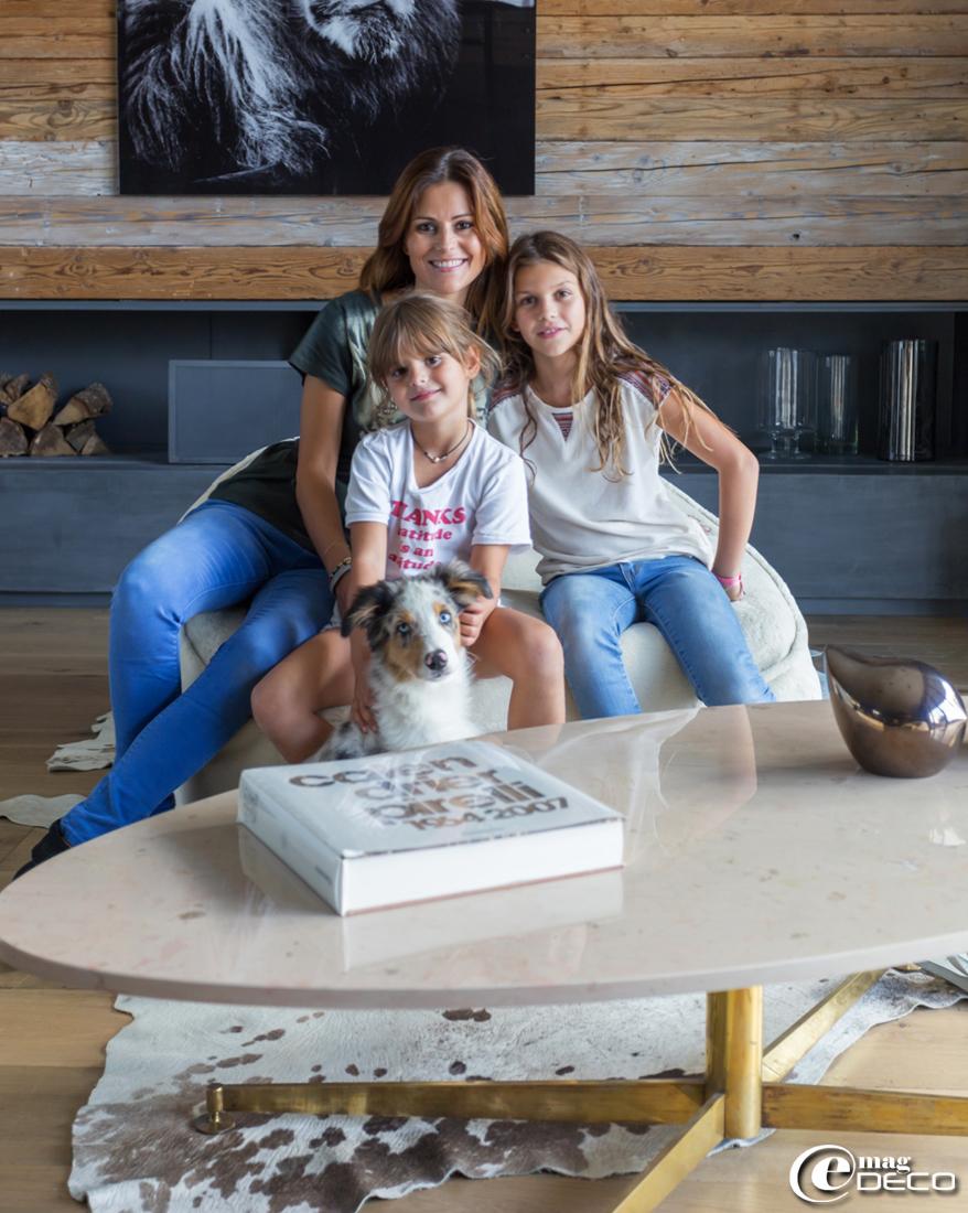 Cécile Siméone avec ses filles Dévone et Jade
