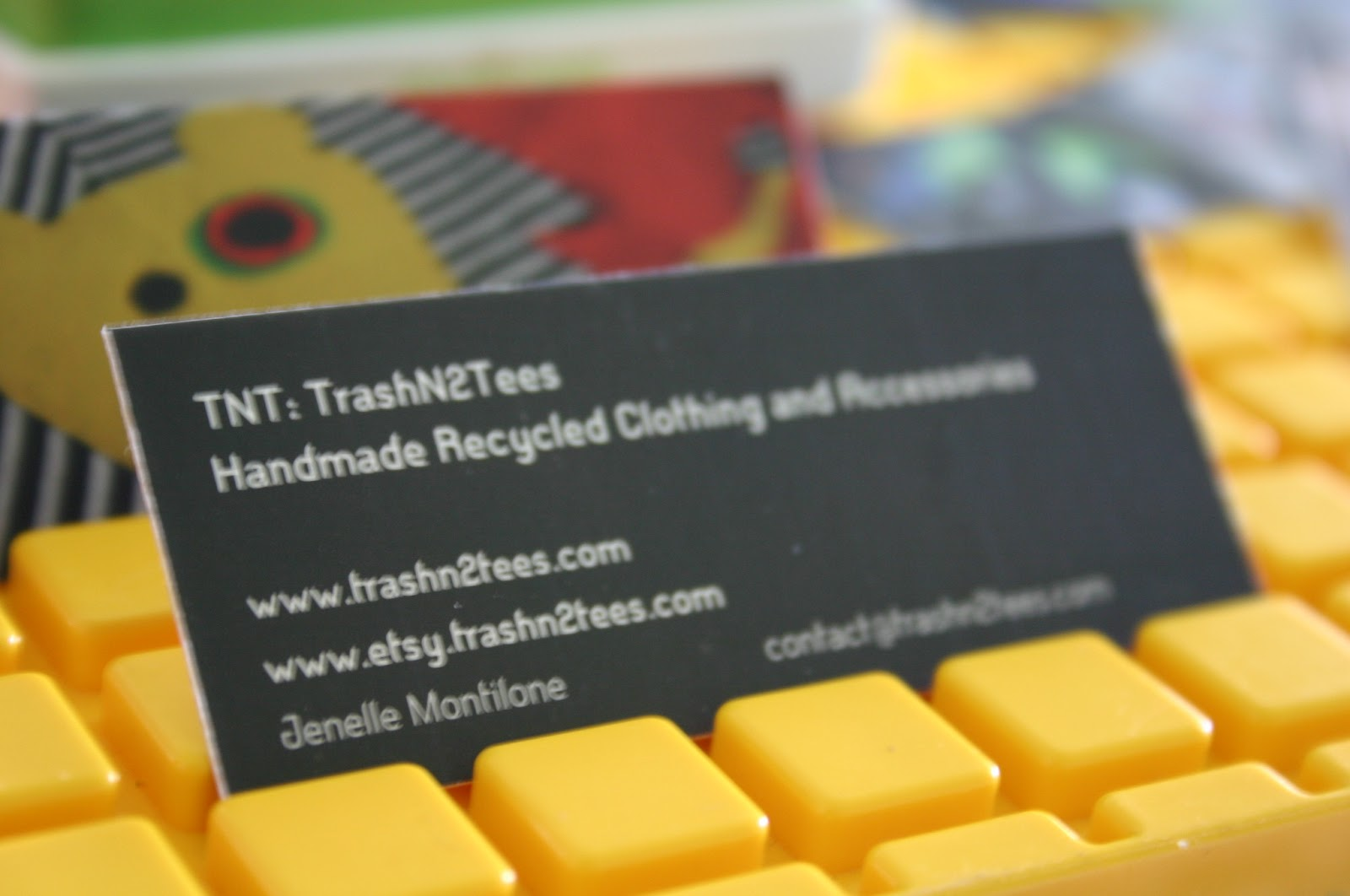 Business card review whats moo handmadeology what do i love most about my moo cards i can share a variety of items in the palm of my hand being able to actually show people what trashn2tees is all reheart Images
