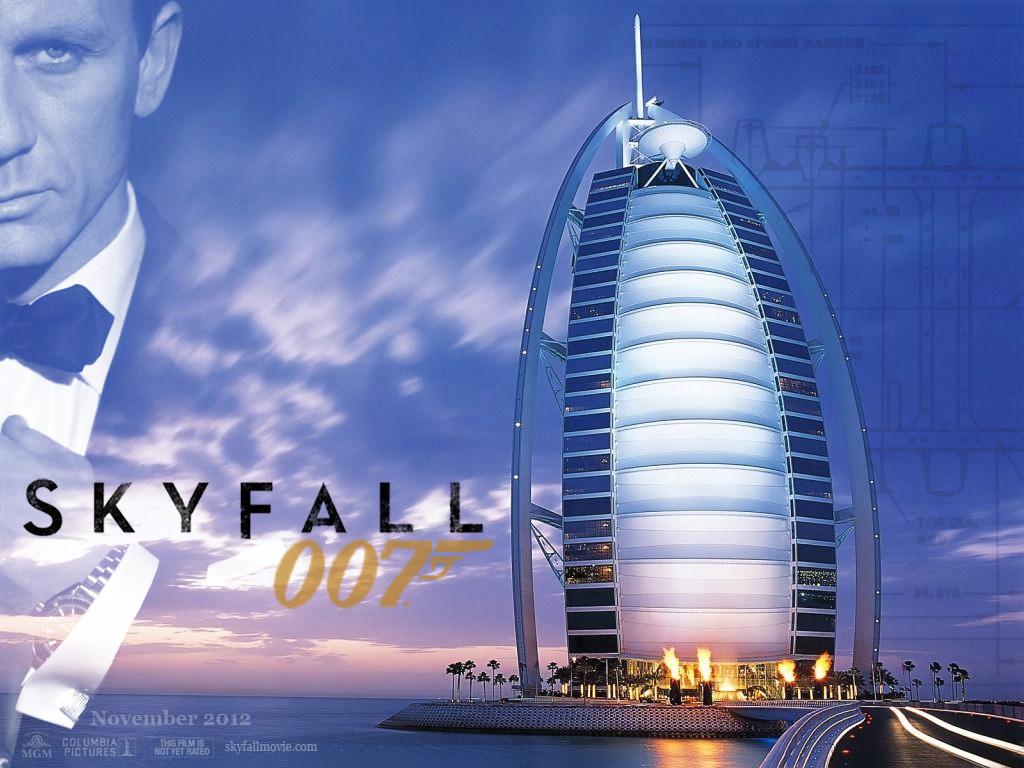 http://4.bp.blogspot.com/-9Je0DNZOohg/UDdoyk4AauI/AAAAAAAAAM8/FyCHJ71zGOY/s1600/skyfall-poster-2012-05.jpg