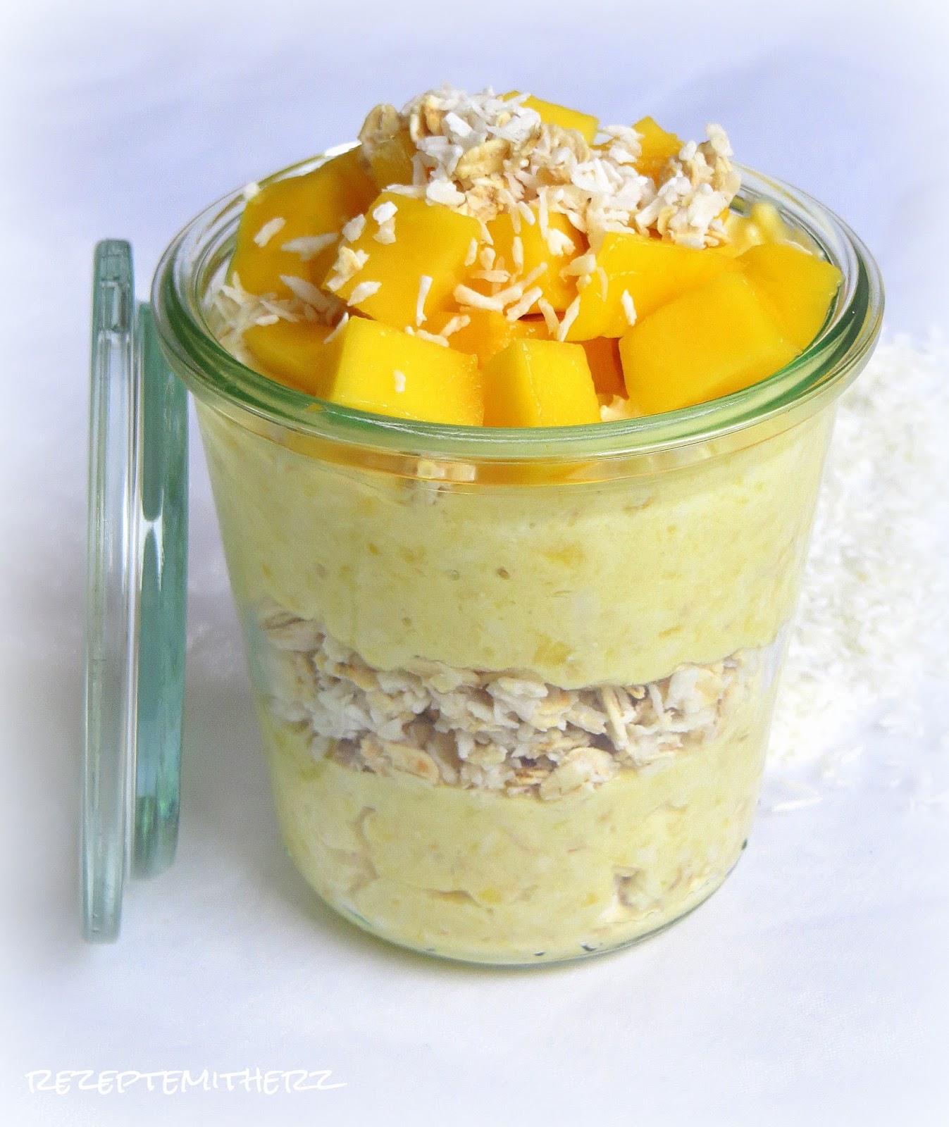 rezepte mit herz mango joghurt mit kokos haferflocken. Black Bedroom Furniture Sets. Home Design Ideas