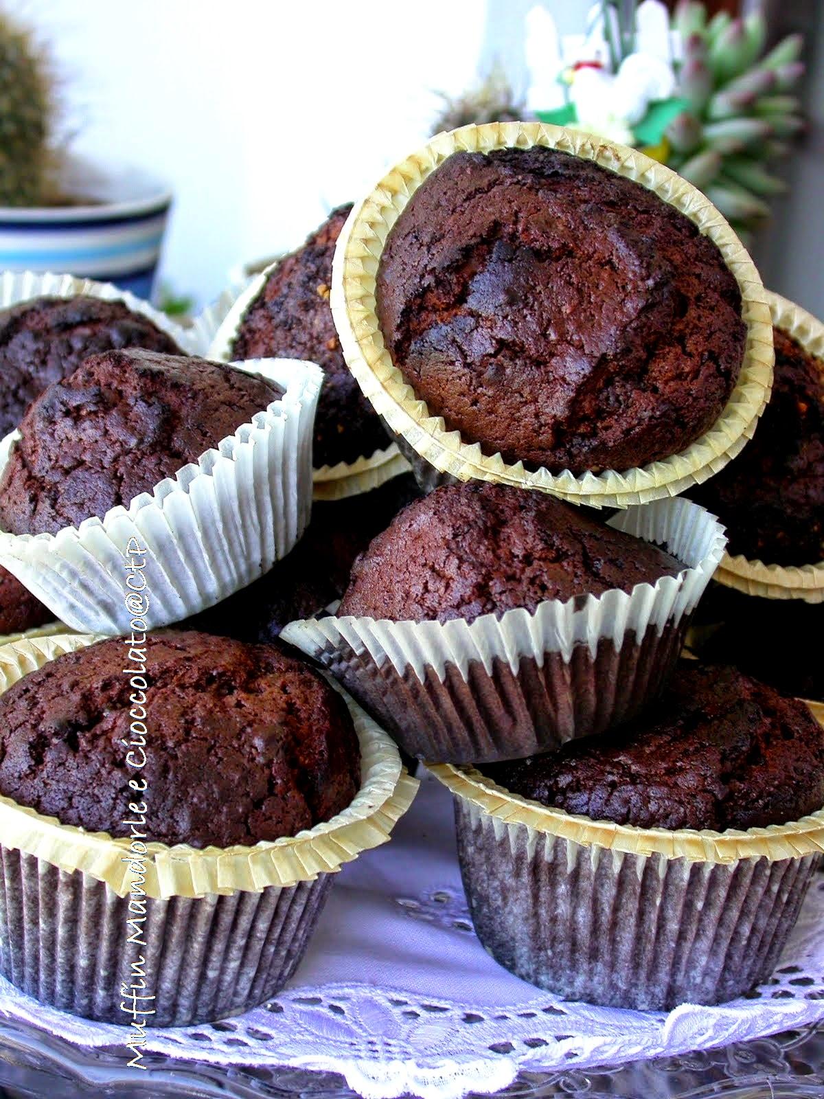 muffin mandorle e cioccolato di alessandra ruggeri