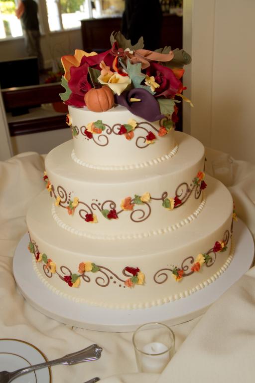 New England Fall Foliage Wedding Cake