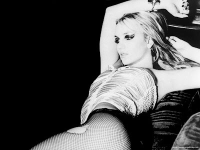 Britney Spears Wallpaper-1280x1024-01