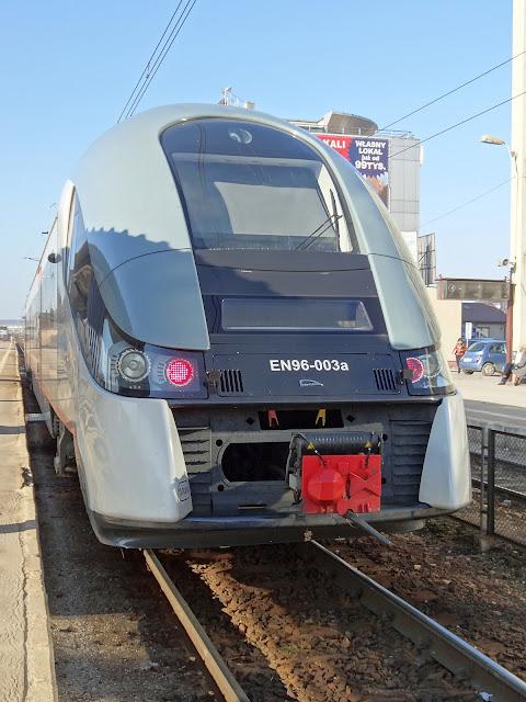 Elektryczne zespoły trakcyjne EN96 PR Świętokrzyskie