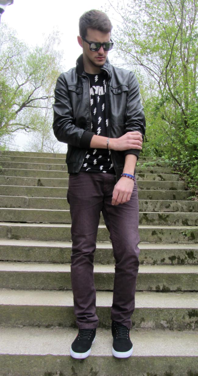 http://www.elarmarioaj.com/2014/04/outfit-67.html
