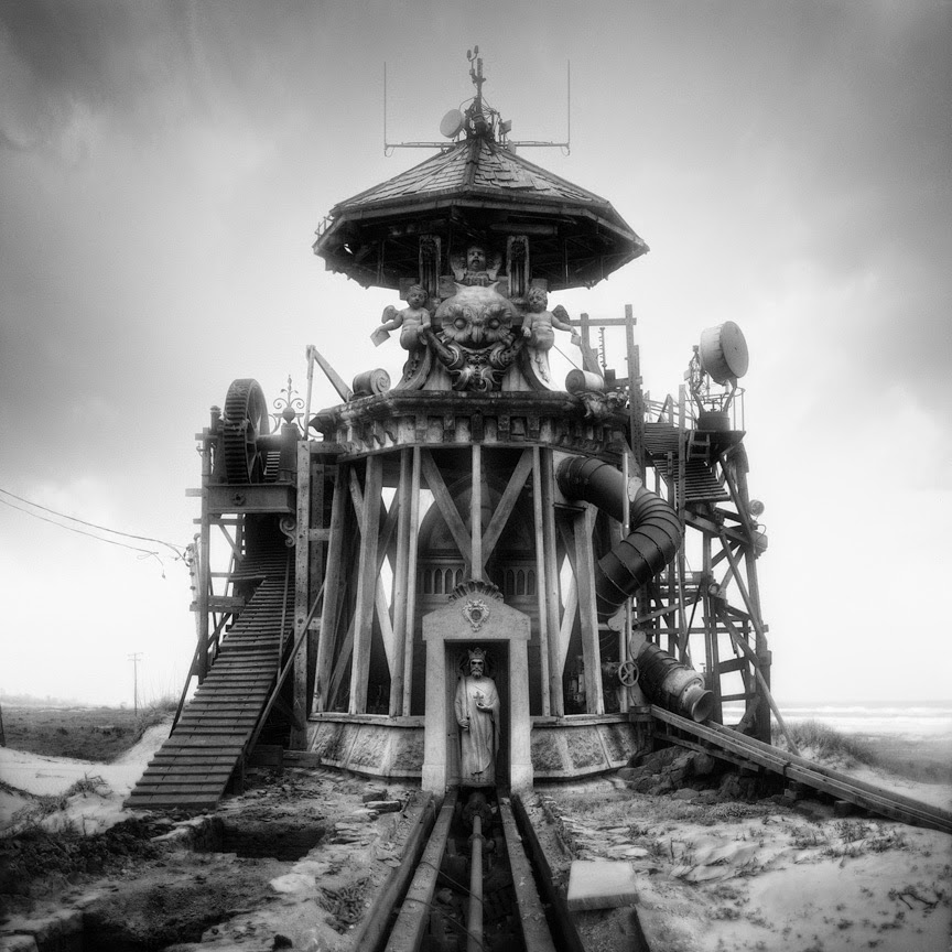 07-Untitled-Station-Jim-Kazanjia-Surreal-Architectural-Photo-Collages-www-designstack-co