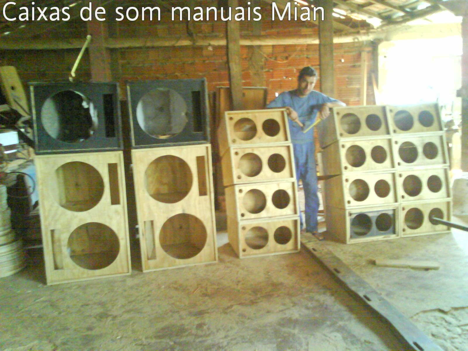 Cultura de Guaranesia (Minas Gerais) : Mian e as caixas de som e  #956D36 1600x1200