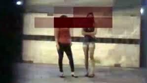 Nhộn nhịp phố mại dâm giữa đêm Sài Gòn