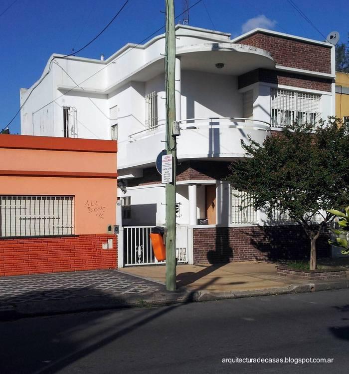Arquitectura de casas fachada de casa urbana estilo for Fachadas de casas estilo moderno