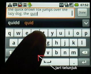 Jari menari di atas keyboard (landscape) Samsung Galaxy 550