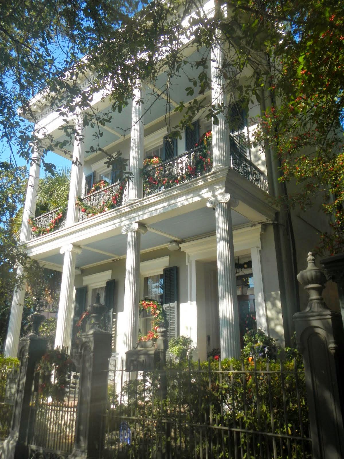 Big Daddy Dave: A Walk Through New Orleans\' Garden District