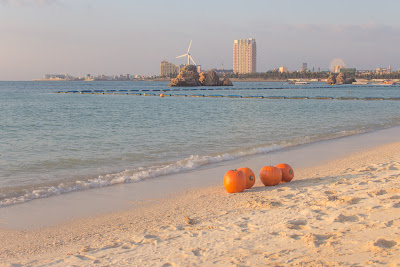 Shannon Hager Photography, Pumpkins on the Beach, Okinawa, Araha Beach
