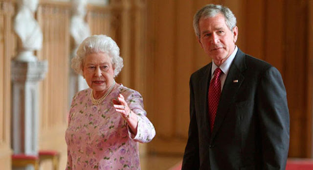 Queen Elizabeth and President George W. Bush