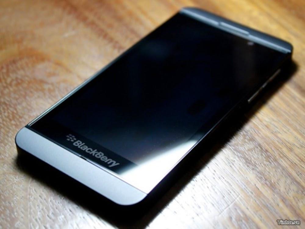 Blackbery Z10, Harga dan Spesifikasi