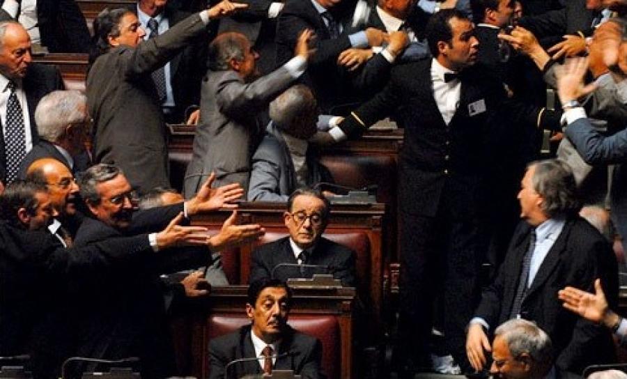 Cinematografia patologica il divo la spettacolare vita - Andreotti il divo ...