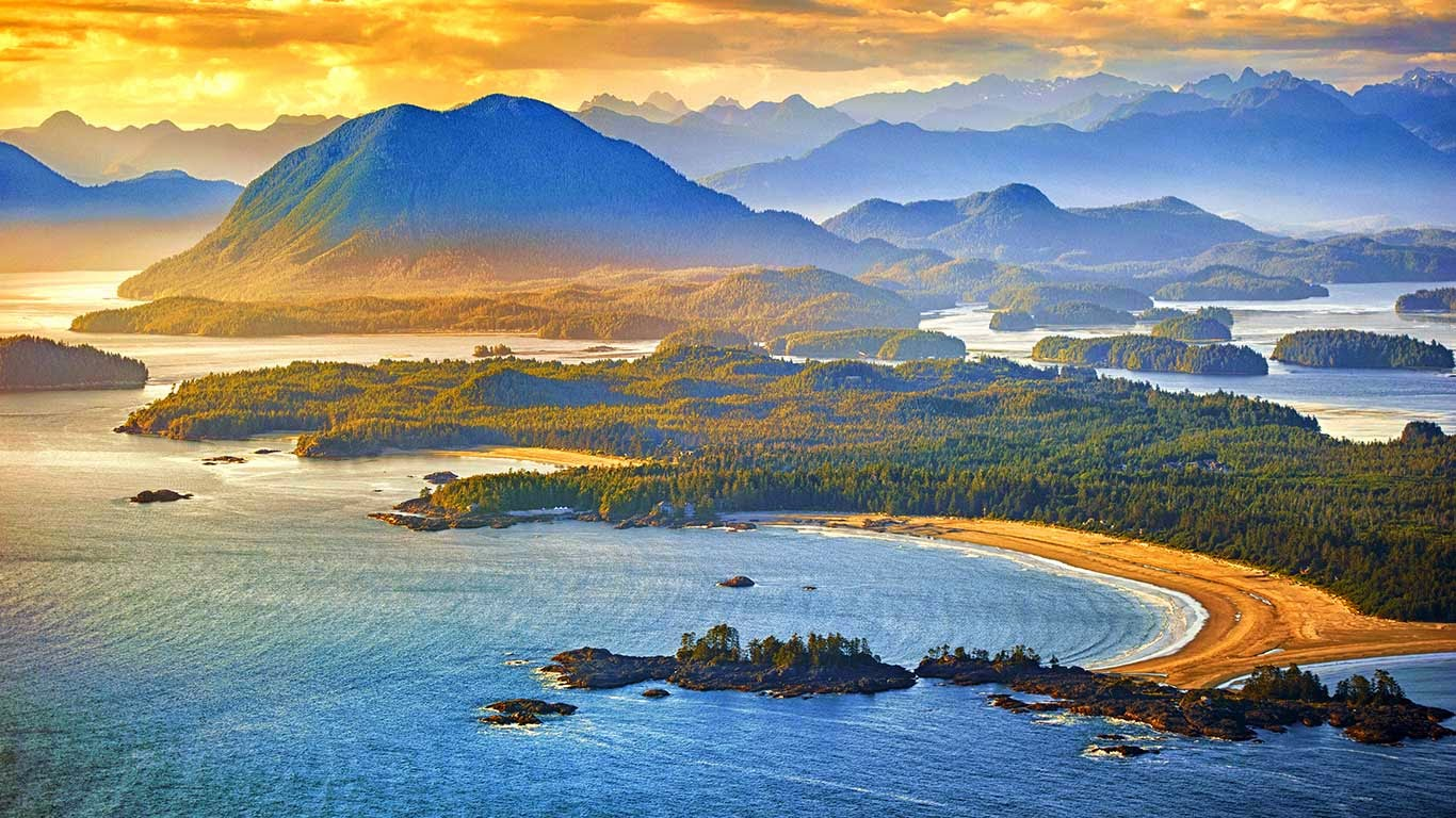 Aerial shot of Tofino with Clayoquot Sound, British Columbia, Canada (© Arnab Banerjee/Tandem Still + Motion) 200