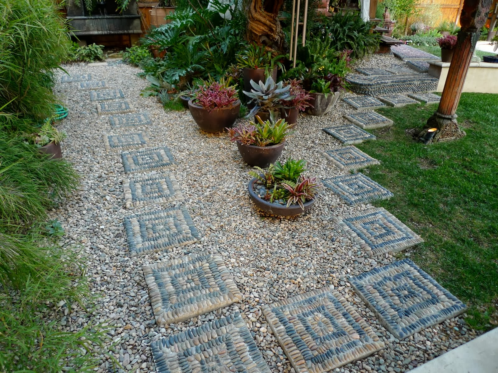 Make your own patio pavers patio design ideas for Rock stepping stones landscaping