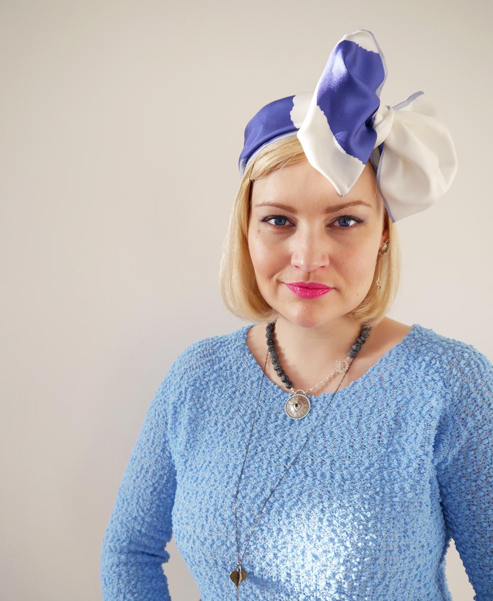 Alice in Wonderland, Karen Smith Jewellery, style inspiration, how to tie scarf in different ways, Cleo Ferin Mercury panda scarf, Scottish blogger, steampunk