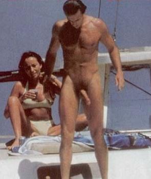 Videos de playa desnudos