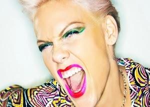 """""""Se eu gostei? Não, eu acho muito vulgar"""" diz Pink sobre Miley Cyrus"""