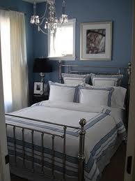 ... bingkai gambar yang simple dan kemas serta penggunaan perabut yang