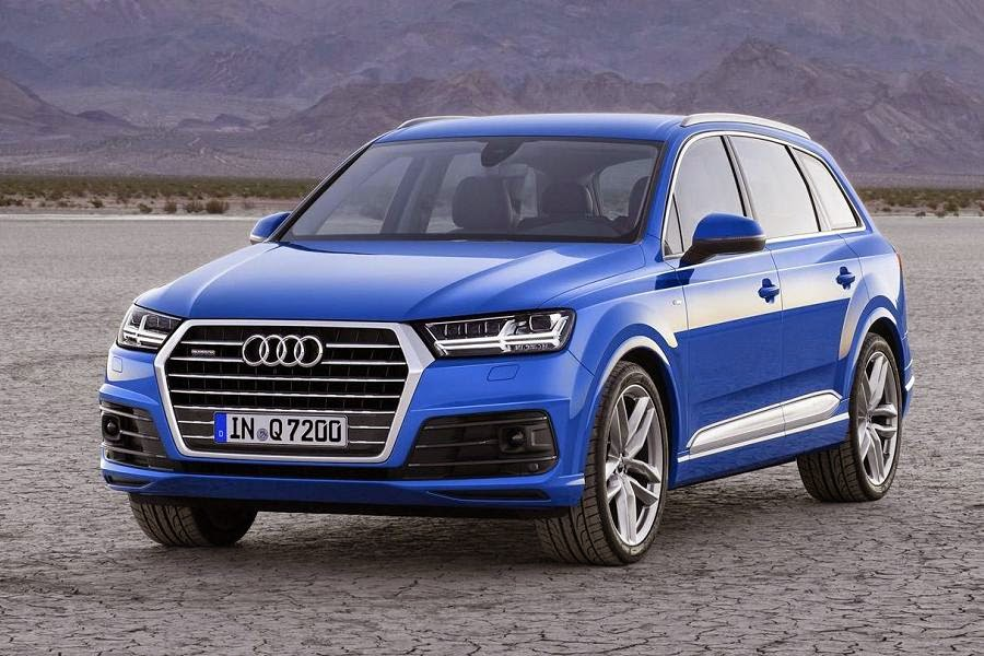 Audi Q7 (2016) Front Side 2