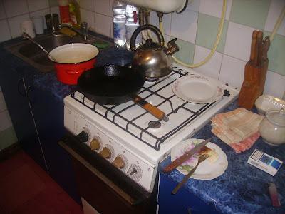 Начинаем выпекать блины - Getting baked pancakes