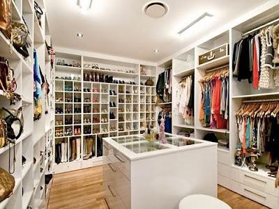 Şu koskoca giyinme odaları elbette hepimizin hayali