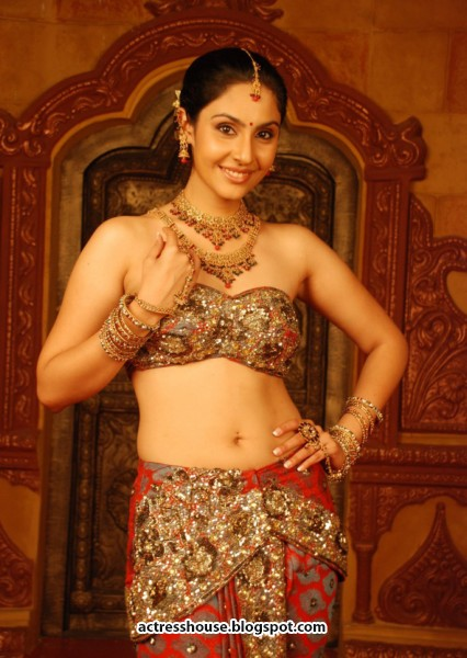 Latest Movie Updates: Actress hot stills
