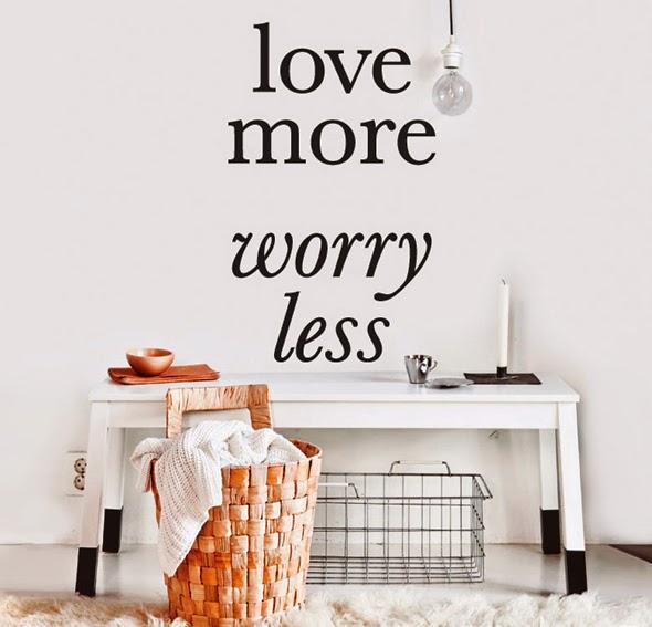 http://www.portobellostreet.es/mueble/25892/Vinilo-love-more