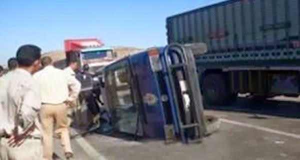 اصابة مجندين على اثر انقلاب سيارة الشرطة فى سيناء