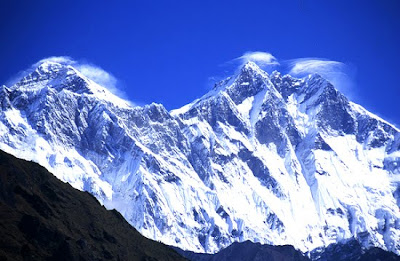 Gunung Lhotse       Tinggi : 7.516 m       Lokasi : Nepal - Cina(Tibet)