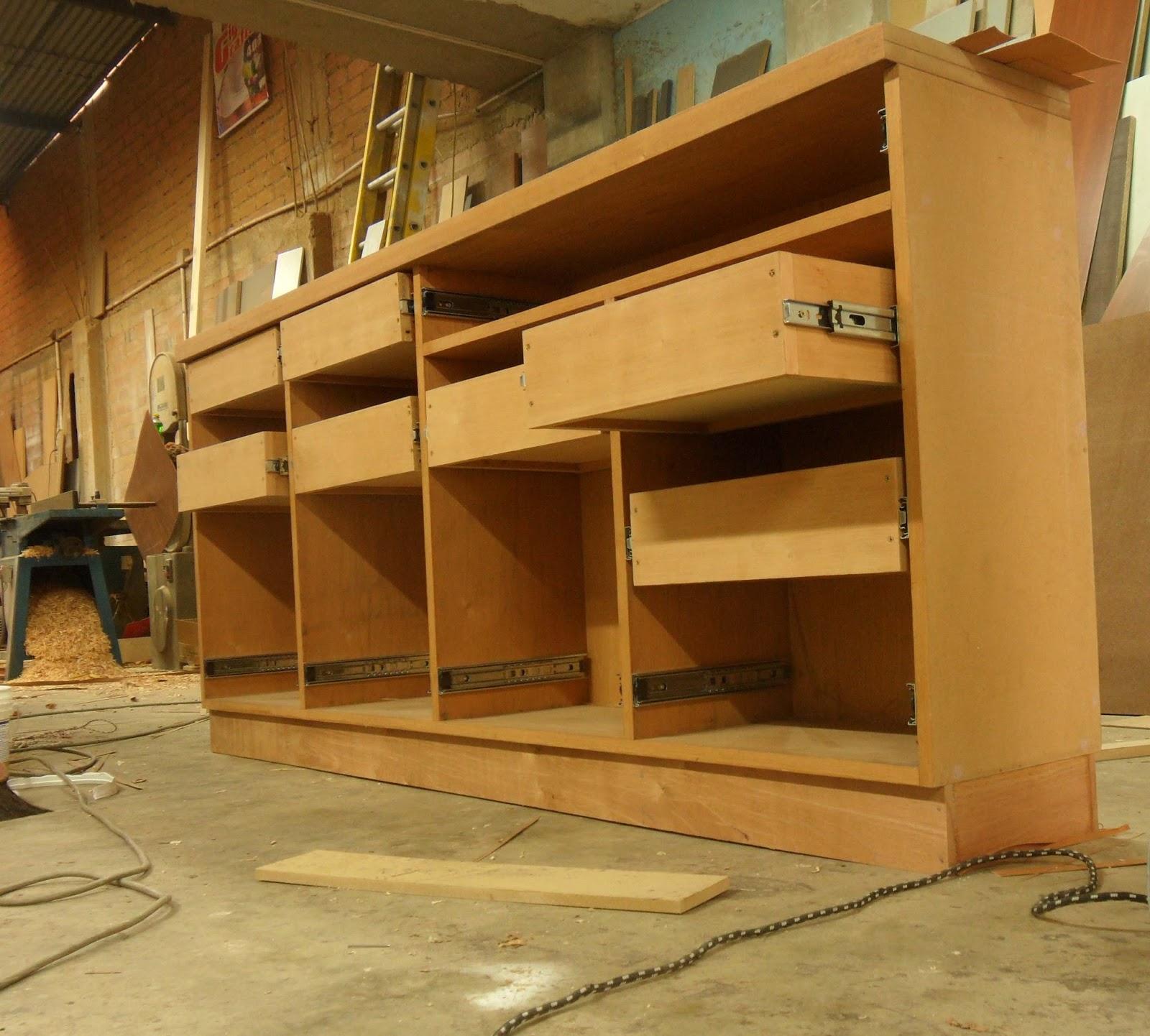 Oniria obra en proceso mueble bar for Muebles bar diseno