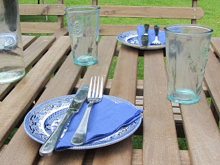 Picnic Table, plates