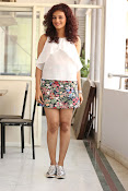 Seerat Kapoor New glam stills-thumbnail-14
