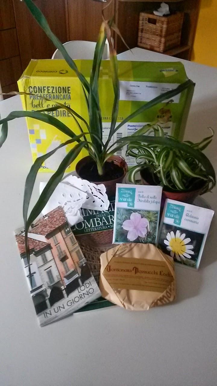 Ho ricevuto da Jampy, http://25mq-di-verde.blogspot.it/questo graditissimo pacco delle meraviglie!