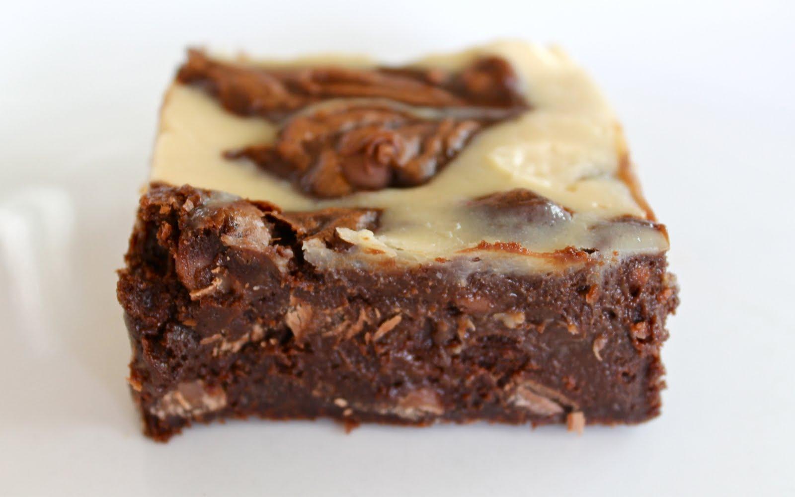 Yammie's Noshery: Cheesecake Swirled Fudge Brownies