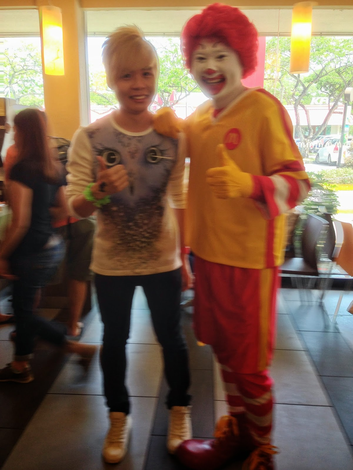 Evilbean with Ronald Mcdonald