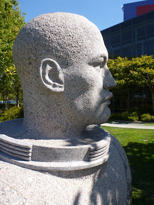 """US Navy Diver"" carved by Viktor (2006) in honor of diving hero Carl Brashear (1931 - 2006)"