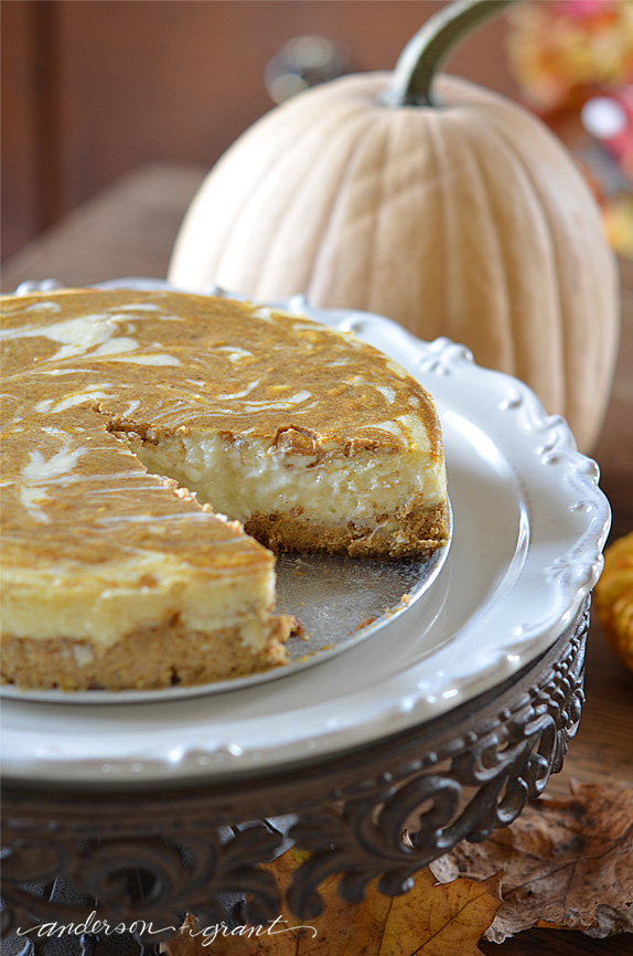 Looking inside the 3 Layers of the Ultimate Pumpkin Cheesecake | www.andersonandgrant.com