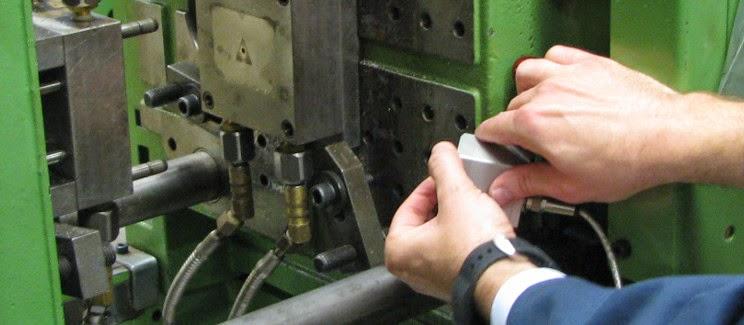 IR Kamera-Montage an eine Spritzgießmaschine