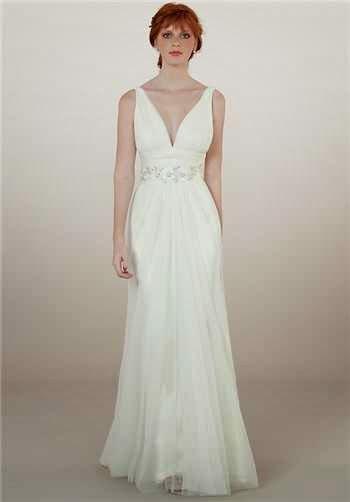 Weddingsbymelb body shapes and wedding dresses for Sheath wedding dress body type